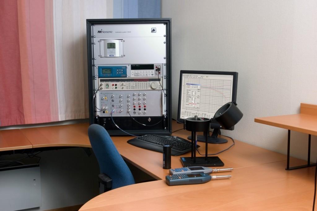 System kalibracyjny Nor1504A